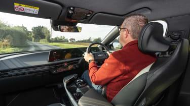 Kia EV6 2021 - driving