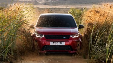 Land Rover Discovery Sport - full front
