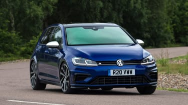 Volkswagen Golf R - front action