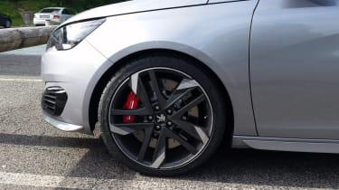 Peugeot 308 GTi spied - wheel