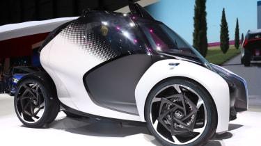 Toyota i-Tril concept Geneva - side