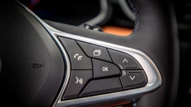 Renault Captur - steering wheel controls