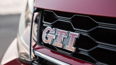 Volkswagen Golf GTI Performance Pack 2017 badge