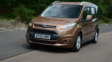 Ford Tourneo Connect front tracking