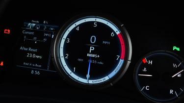 Lexus RX 200t - dials