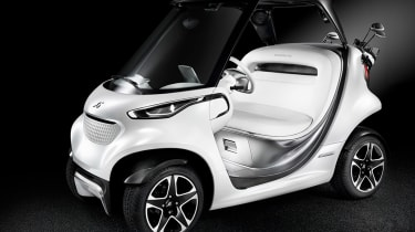 Mercedes Style Edition Garia - front three quarter