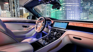 Bentley Continental GT V8 - convertible interior