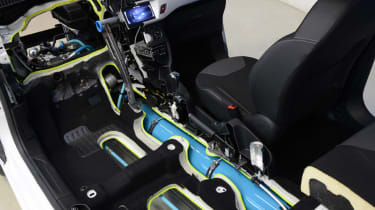 Peugeot Citroen Hybrid Air system close up