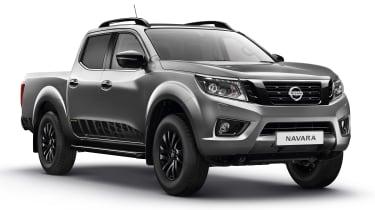 Nissan Navara N-Guard - grey front