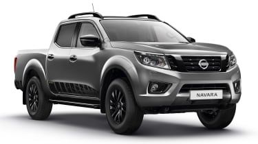Nissan Navara N-Guard - grey front