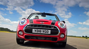 MINI Convertible - full front