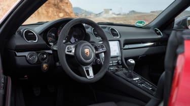 Porsche 718 Boxster T - interior