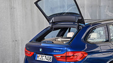 New BMW 5 Series Touring - boot opening