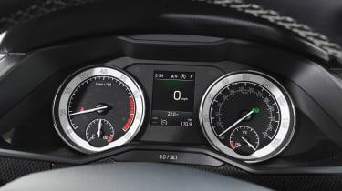 Used Skoda Superb - dials