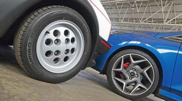 Ford Fiesta XR2 vs Ford Fiesta ST - wheels