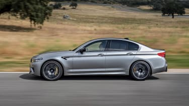 BMW M5 Competition - side action