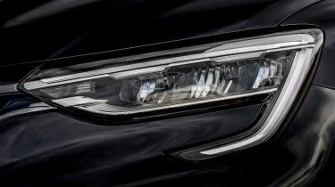 Renault Arkana - front lights