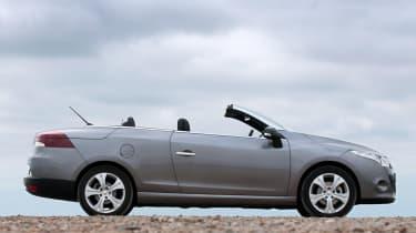 Renault Megane CC profile