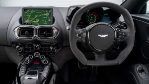 Aston Martin Vantage F1 Edition - dash