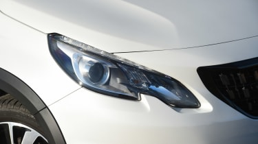 Peugeot 2008 - front light detail
