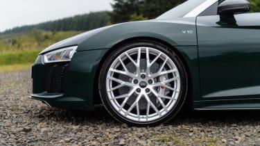 Audi R8 Spyder V10 plus - front wing