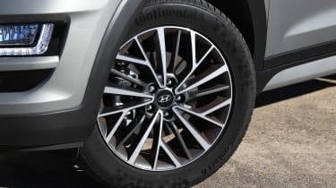 Hyundai Tucson 48v - wheel
