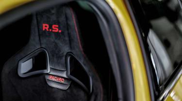 Renault Megane RS Trophy - seat