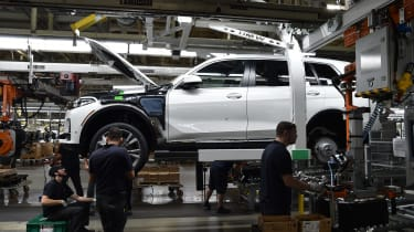 BMW SUVs feature - BMW X7 production