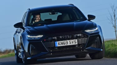 Audi RS 6 - front cornering