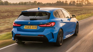 BMW 118i - rear tracking