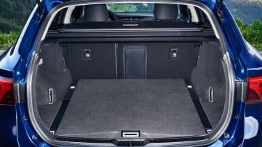 Toyota Avensis Touring Sports - boot