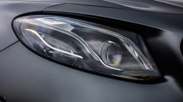 Mercedes-AMG E 63 S - front light detail