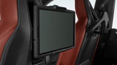 BMW iDrive 8 - rear screen