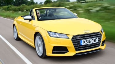 Audi TTS Roadster - front tracking