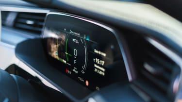 Audi e-tron - instruments