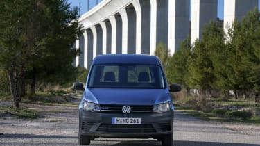 Volkswagen Caddy - head on