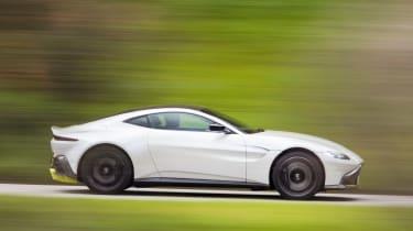 Aston Martin Vantage - side