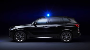 BMW X5 Protection VR6 - side dark