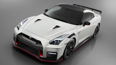 Nissan GT-R NISMO - studio above