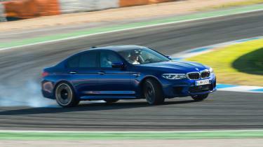 BMW M5 - side