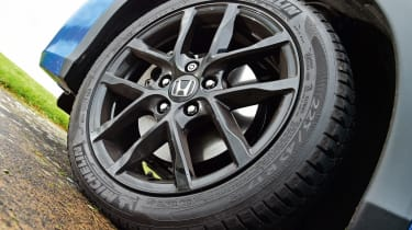 Honda Civic Sport - wheel