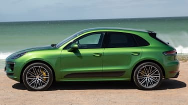 Porsche Macan Turbo - side static