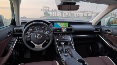 Lexus IS 2017 - interior