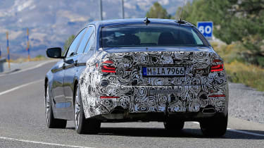 BMW 5 Series facelift - spyshot 8