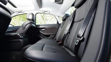 Audi A8 55 TFSI - rear seats