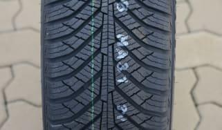 Best all-season tyre test - Kumho Solus HA31