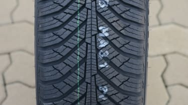 Best all-season tyre test - Kumho Solus HA31