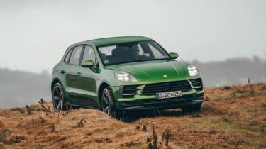 Porsche Macan - front off-road