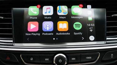 Vauxhall Insignia Country Tourer - infotainment
