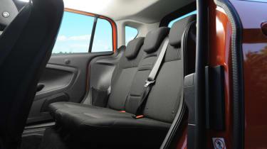 Ford B-MAX 1.6 TDCi Titanium rear seats